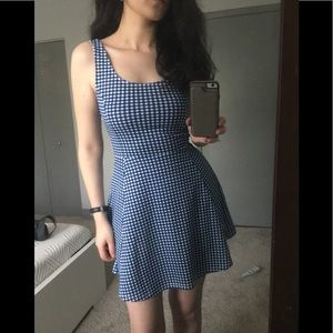 ✨NWOT✨ H&M gingham fit and flare dress